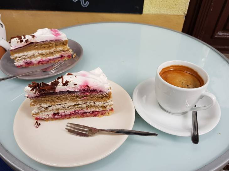 Cake and coffee at Velicious, Berlin