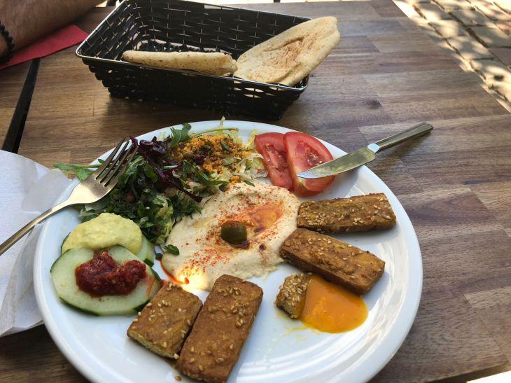 Haroun al Rachid: vegan halloumi